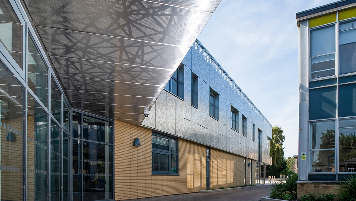 Stainless steel facades at Oxford High School